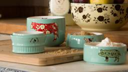 Country Style Measuring Cups